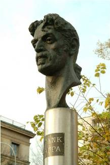 Zappa statue in Lithuania