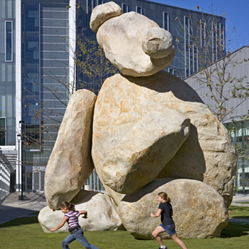 Tim Hawkinson, Bear, 2005. Photo: Philipp Scholz Rittermann