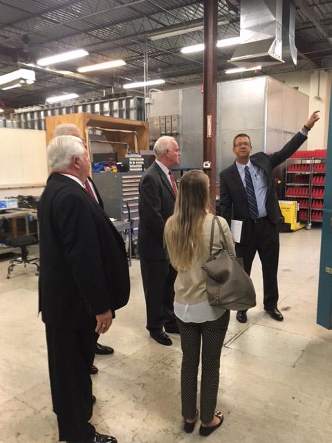 Rep. Meehan visits Retlif Technologies