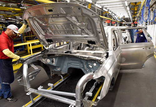 Ford's Kentucky factory produces the Lincoln Navigator on the same aluminum-intensive frame as the F-series trucks.