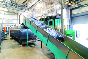 The LAVATEC tunnel and conveyor system have raised the productivity bar at Campus Laundry.