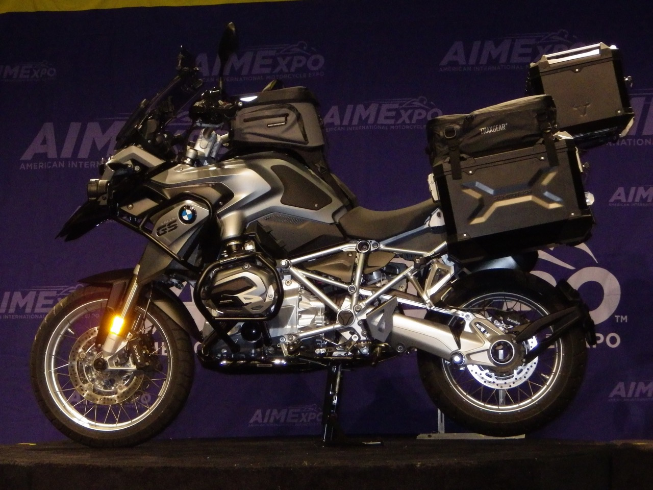BMW R 1200 GS w/SW-Motech Trax Adventure hard cases