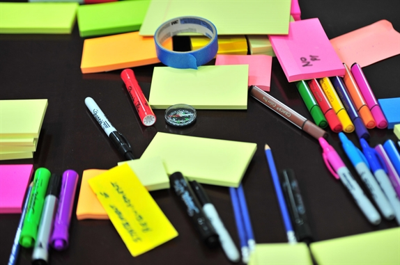 ready to brainstorm with pens and post-its