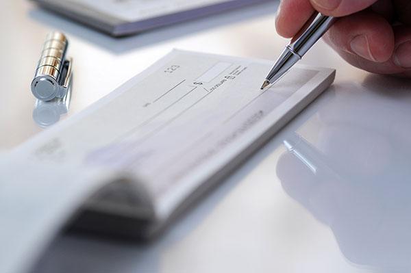 writing a check img