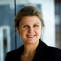 Distinguished Leaders: Lorna Davis, CEO and Chief Manifesto Catalyst at DanoneWave