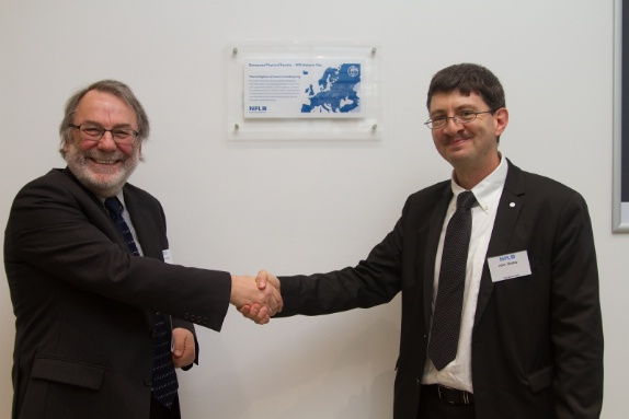 Professor Sir Peter Knight FRS and Professor John Dudley unveiled the plaque.