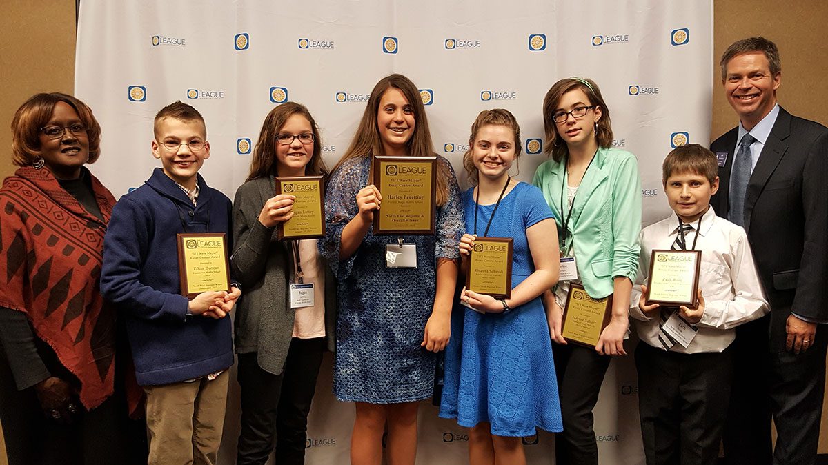 essay contests for high school juniors Pomegranate words  the writing conference, inc - yearly writing contests for elementary, junior high  or an essay each of the winners in each school level .