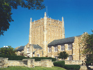 Photo of McFarlin Library, The University of Tulsa