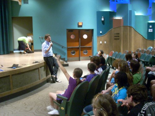 Karl Siewert discusses favorite books with the campers