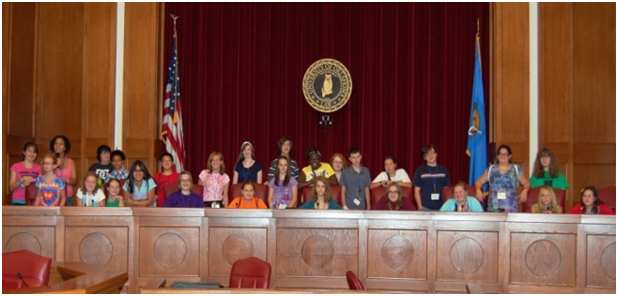 Group photo in OU's Bell Courtroom