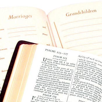 Picture of a Family Presentation Bible
