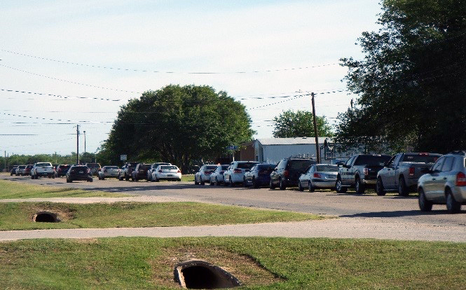 Line of cars outside food pantry