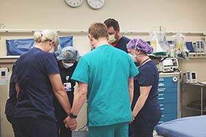 nurses praying