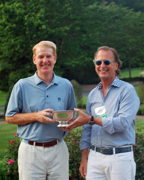 Pete Johnson placed first in low gross in the VBA golf tournament