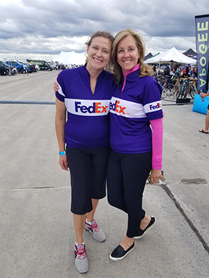 Pina Starnino with a FedEx team member at the 48-HOUR RIDE in support of Make-A-Wish Québec (September, 2019)